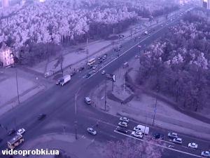 вулиця Братиславська, Лісовий проспект