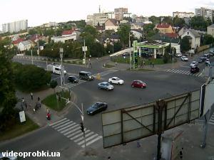перекресток ул. Любинской, ул. Д. Яворницкого и ул. С. Петлюры